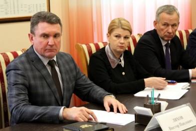 Глава Ейского района Виктор Ляхов провел прием граждан