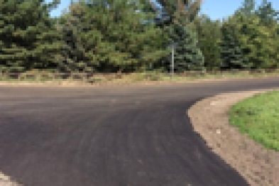 В поселке Советском завершился ремонт дороги по улице Школьной