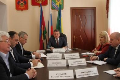 Глава Ейского района Виктор Ляхов принял участие в первом в этом году краевом планерном совещании