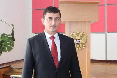 Главу Щербиновского района после обыска увезли в Краснодар