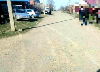В Широчанке водитель сначала въехал в столб, а затем в припаркованную машину
