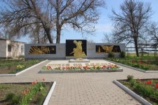 В Ейском районе приведены в порядок 63 памятника и обелиска, установленных в честь погибших в годы Великой Отечественной войны