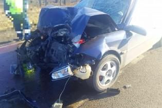 В Ейском районе водитель Опеля «догнал» КАМАЗ. Два пострадавших