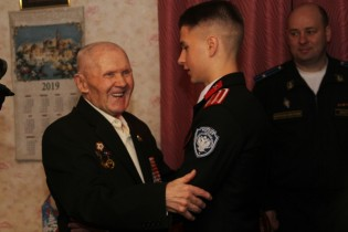 Ветераны Ейского района принимают поздравления с наступающими новогодними и рождественскими праздниками