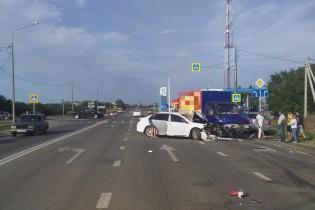 Из-за невнимательности водителя три машины повреждены в результате ДТП